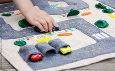 Car Track Quiet Time Mat by MonoNoAvare on Etsy spiel Road Playmat - Felt Handmade Toy - Fold Up Car Track - Road Map Pretend Play - Gender Neutral - Foldable playmat - Garage and Cars Diy For Kids, Gifts For Kids, Busy Book, Diy Toys, Handmade Toys, Creative Gifts, Kids Christmas, Felt Crafts, Etsy