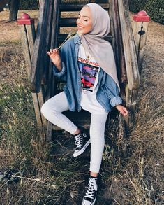 Hijab outfit style Modern Hijab Fashion, Street Hijab Fashion, Hijab Fashion Inspiration, Muslim Fashion, Casual Hijab Outfit, Hijab Chic, Casual Outfits, Casual Hijab Styles, Fashion Outfits