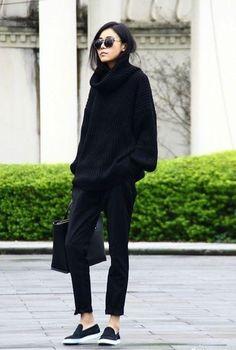 【时尚】2016年就应该来一个全新的黑色搭配!你知道时尚博客们都喜爱的全黑时尚搭配,在今日的搭配中你尝试了黑色白色灰色了吗?