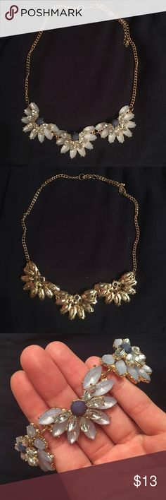 Francesca's statement necklace Perfect touch for any dressy outfit! In perfect condition. Francesca's Collections Jewelry Necklaces