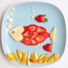 If they don't like strawberries, try cutting them super thin and make them a fish! Kids plate art, fun with food, fun food art for kids Food Art For Kids, Cooking With Kids, Fruit Art Kids, Kids Food Crafts, Children Food, Children Health, Toddler Meals, Kids Meals, Cute Food