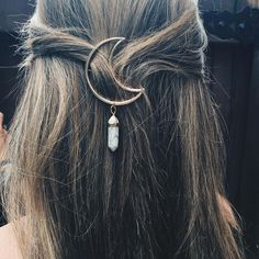 Yes, you can wear hair accessories beyond your hopscotch days. We'll show you how to pull off these super trendy hairstyles without looking like your niece.