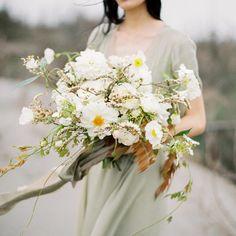 "Polubienia: 80, komentarze: 2 – dahlia hues (@dahliahues) na Instagramie: ""Such a beautiful bouquet @angelicafleurs ! Amazing photos by our Talented friend…"""