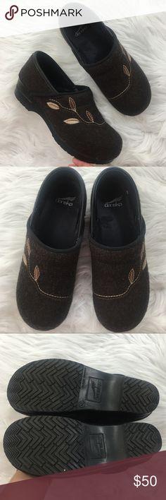 Dansko Clogs Like new felt style clogs from Dansko. Size 40. Dansko Shoes Mules & Clogs