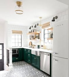 65 Trendy Ideas For Farmhouse Kitchen Green Cabinets Tile Green Kitchen Decor, Green Kitchen Cabinets, Refacing Kitchen Cabinets, Kitchen Tiles, Kitchen Colors, Open Cabinet Kitchen, Diy Cupboards, Kitchen Counters, Kitchen Fixtures