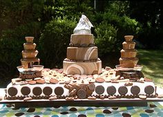 chocolate fountain foods We love Cake Boss here at goodtoknow. Buddy Valastro makes some of the most amazing cakes and we've got a section of some of the best cakes from the Chocolate Fountain Wedding, Chocolate Fountain Recipes, Chocolate Fountains, Hershey Cake, Hershey Chocolate, Chocolate Brown, Chocolate Dreams, Chocolate Lovers, Chocolate Desserts