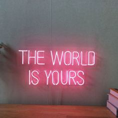 Neon sign Quotes for badass babes. Neon Aesthetic, Quote Aesthetic, Aesthetic Pictures, Photo Wall Collage, Picture Wall, Neon Signs Quotes, Neon Words, Neon Wallpaper, Pink Walls