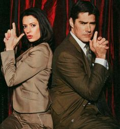 Paget Brewster as Emily Prentiss and Thomas Gibson as Aaron Hotchner. Thomas Gibson, Spencer Reid, Dr Reid, Hotch Criminal Minds, Criminal Cast, Gossip Girl, Detective, Paget Brewster, Crimal Minds