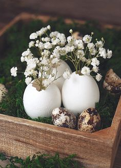 The Isle Home – Sunday Scroll Easter Table Settings and Decor Easter Table Settings, Easter Table Decorations, Easter Decor, Egg Crafts, Easter Crafts, Easter 2021, Diy Ostern, Beltane, Easter Party