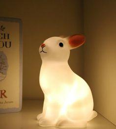 LED Night Light- Rabbit Lamp Kein wirkliches Spielzeug, aber passt wunderbar in eine Spielewelt... ;-)