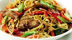 Chow Mein, Chow Chow, Asian Recipes, Ethnic Recipes, Pat Thai, Wok, Japchae, Food And Drink, Beef