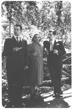 Ángel González con el matrimonio Lombardero, Oviedo (1950).