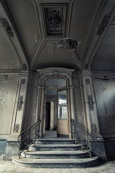 Decay coming through the ceiling - Abandoned mansion in the Benelux