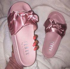 37abed368 Ριитєяєѕт: qweenmali ☔ ✨🌿 Sapatos Fashion, Roupas Tumblr, Tendência Em  Sapatos