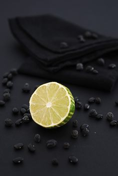 Lime . Limette . lime | Food. Art + Style. Photography: Food on black by il senso gusto |