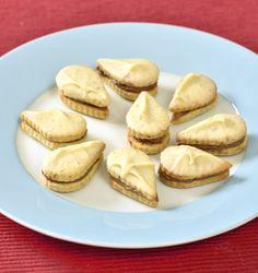 Filip Sajler a Ondřej Slanina v oblíbené kulinářské show Christmas Baking, Christmas Cookies, Pretzel Bites, Sweet Recipes, Garlic, Bread, Vegetables, Healthy, Food