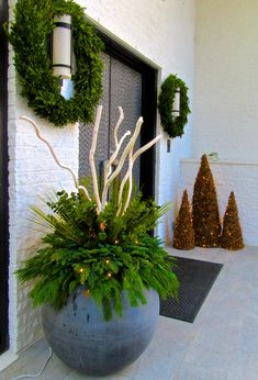 2015 Winter Planters Christmas Planters, Christmas Porch, Outdoor Christmas Decorations, Modern Christmas, Primitive Christmas, Holiday Decor, Hotel Flowers, Winter Planter, Christmas Flower Arrangements