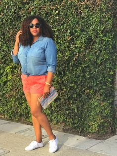 You want to wear shorts (or at least I do) but you don't want to look too sloppy. Answer: Pair your Shorts with a button up Shirt! And, that's what we are Mixing Up in this post. Old Na…