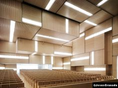 i like the contemporary design of this space and the utilization of natural light MGM ARQUITECTOS H Design, Floor Design, Ceiling Design, Cultural Architecture, Light Architecture, Interior Architecture, Auditorium Design, Auditorium Seating, Modern Windows And Doors