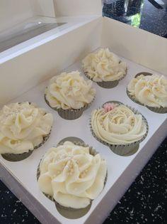 Lollicakes Haslemere - wedding bakes cupcakes