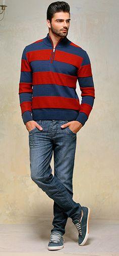 O jeans escuro deixa o homem elegante.