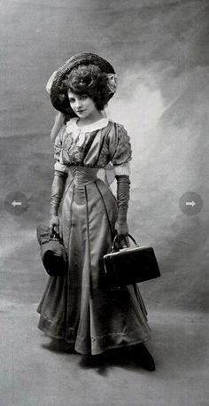 vintage everyday: The 16-Inch Waist of Émilie Marie Bouchau