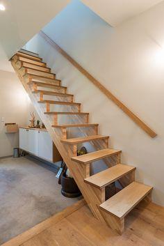 ENJOYWORKS/エンジョイワークス/stairs/階段/リノベーション/renovation/SKELTONHOUSE/スケルトンハウス