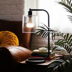 Twist is a beautiful LED light bulb with an AirPlay speaker built in, so you can get wireless, clutter-less, installation-less lighting and audio anywhere you can put a light bulb.
