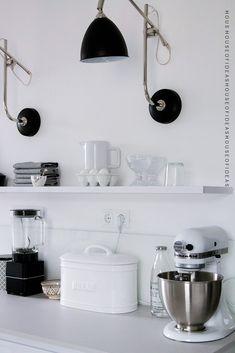 HOUSE of IDEAS White kitchen, kitchen aid, black&white