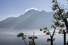 El Lago San Pablo, el cúmulo de agua dulce más grande del país.