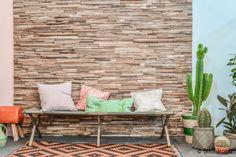 Binti Home Blog: 101 woonideeën woonbeurs 2013  Leuke muur! Gemaakt van allerlei kleine houtjes