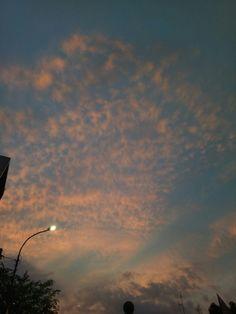 Senja itu.