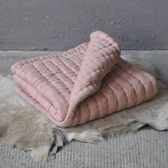 tatami dusty pink quilt