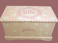 Princess toy box with Polka Dots and Tiara Custom Designed, kids furniture, monogrammed, art and decor by originalsbybarbmazur on Etsy Painting Kids Furniture, Hand Painted Furniture, Painting For Kids, Girls Furniture, Wooden Toy Boxes, Wooden Toys, Diy Toy Storage, Princess Toys, Little Doll