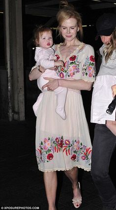 Nicole Kidman coordinates spring attire with her girls as she jets out of LA with Keith Urban Nicole Kidman wearing a Hungarian folk dress with traditional paprika and floral motifs ('Kalocsa embroidery') Hungarian Embroidery, Folk Embroidery, Embroidery Fashion, Floral Embroidery, Embroidery Ideas, Bohemian Mode, Folk Fashion, Embroidered Clothes, Summer Dresses