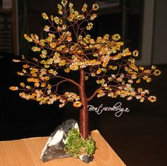 Make your own beaded wire tree . Free tutorial with pictures on how to make a wire tree in under 60 minutes by creating and wireworking with decorations, wire, and cutting tool. How To posted by Beatrice R. Wire Tutorials, Beading Tutorials, Beading Projects, Beading Supplies, Tree Wall Art, Tree Art, Ming Tree, Copper Wire Art, Wire Tree Sculpture