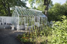Växthus med sadeltak och med olika tillvalsmöjlighter