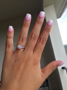 SNS nails pink and white ombre