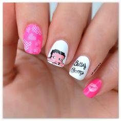 Stamping Betty Boop de Les ongles de B. pour Kit-Manucure.com : http://www.kit-manucure.com/511-plaque-de-stamping-betty-boop-coeur-love-bouche-hello-kitty.html