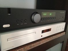 Audiolab 8200 with Arcam FMJ A19