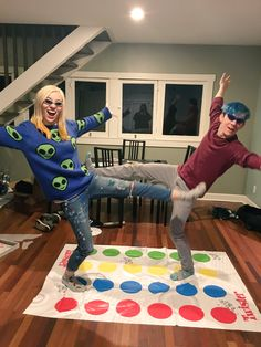 Amy Nelson and Ethan Nestor do some Twister Pewdiepie, Markiplier Hair, Mark And Ethan, Jack And Mark, Danisnotonfire, Amazingphil, The Blue Boy, Ethan Crankgameplays, Youtube Gamer