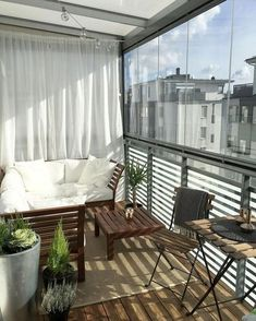 Stunning Apartment Balcony Design Ideas - Page 15 of 52 Small Balcony Design, Small Balcony Decor, Small Patio, Patio Design, House Design, Balcony Ideas, Condo Balcony, Tiny Balcony, Apartment Balcony Decorating