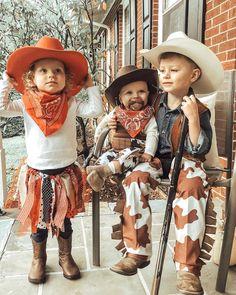 Inspiration & Accessoires, um dein Cowboy Kostüm einfach selber zu machen. #karneval #karnevalkostüm #kostüm #karnevalkostümgruppe #karnevalkostümselbermachen #fasching #diykostüm #kostümselbermachen #gruppenkostüm #kinderkostüm #gruppenkostümfasching #gruppenkostümkarneval #gruppenkostümfrauen #familienkostüm #familienkostümselbermachen #halloweenkostüm #halloweenkostümpaar #halloweenkostümselbermachen #halloweenkostümkinder #halloweenmakeup #cowboykostuem #cowboykostüm Cowboy Hats, Hipster, Bohemian, Inspiration, Style, Fashion, Biblical Inspiration, Swag, Moda