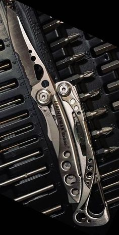 Leatherman - Skeletool EDC Multi-Tool, Stainless Steel - Everyday Carry Gear