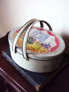 Vintage Tin Lunch Pail with Victorian  by primitivepincushion, $18.99