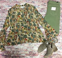 We love how these Olive jeans pair great with this fun floral top!// Floral Button Up Top $34|| KanCan Skimny Olive Jeans $49|| Booties $36|| Beljoy Goldie $30  Comment below with PayPal to purchase and ship or comment for 24 hour hold  #repurposeboutique#loverepurpose#hipandtrendy#shoprepurpose#boutiquelove#falltransition#style#trendy#fall#backtoschool#jeans#skinnies#kancan#booties#floral