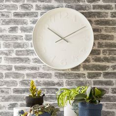 Minimalist Wall Clock  Sleek minimal lines is what makes this lovely wall clock oh so very special. Find it at @pea_style  #handmade #wallclock #interiordesign #interiordecor #officeclock #clock #walldecor #homestyling #homedecor #sweethome #clocks #homesweethome #handmadeisbetter #handmadegifts #madewithlove #instahome #homeaccessories #gifts #personalisedgifts #stylematters #amatterofstyle