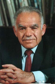 YITZHAK SHAMIR:     (1915 - 2012) -     PRIME MINISTER OF ISRAEL