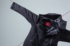 미국 태생의 글로벌 아웃도어 브랜드 '노스페이스(The North Face)'의 프리미엄 아우터웨어 라인인 '노스페이스 레드 라벨(The North Face Red)'에서 16FW 컬렉션 룩북을 공개했습니다.