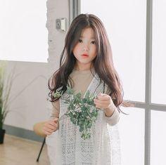 ♡Save = follow♡   //kim yoon rei Cute Asian Babies, Korean Babies, Asian Kids, Cute Asian Girls, Cute Girls, Cute Babies, Baby Kids, Cute Kids Photography, Cute Haircuts
